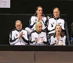 20.04.2013, Porsche-Arena, Stuttgart, GER, Fed CUP, Playoff, Deutschland vs Serbien, im Bild Anfeuerung f?ºr Mona BARTHEL (GER). oben v.l. Andrea PETKOVIC, Angelique KERBER, unten v.l. Anna-Lena GROENEFELD, Sabine LISICKI, Annika BECK, beim Spiel Mona BARTHEL (GER) vs Ana IVANOVIC (SRB) // during the Fed Cup World Group Playoff between Germany and Serbia at the Porsche-Arena, Stuttgart, Germany on 2013/04/20. EXPA Pictures © 2013, PhotoCredit: EXPA/ Eibner/ Eckhard Eibner..***** ATTENTION - OUT OF GER *****