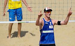 18-07-2014 NED: FIVB Grand Slam Beach Volleybal, Scheveningen<br /> Knock out fase - Robert Meeuwsen