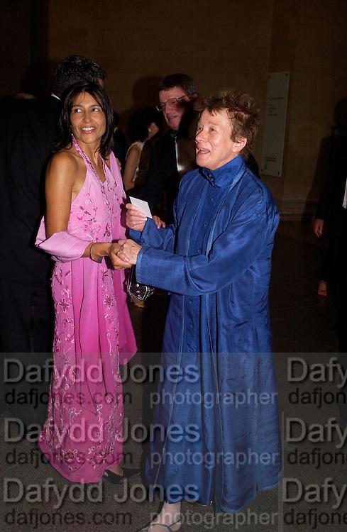 Tanji Kaler and Bridget Riley, Bridget Riley dinner, Tate. 23 June 2003. © Copyright Photograph by Dafydd Jones 66 Stockwell Park Rd. London SW9 0DA Tel 020 7733 0108 www.dafjones.com