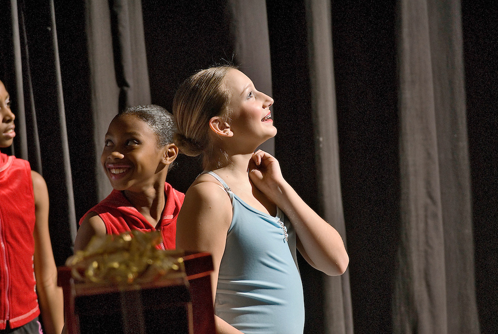 (staff photo by Matt Roth)..Dress Rehearsal of EMC's Holiday Celebration Friday afternoon December 8, 2006 at the