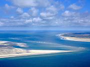Nederland, Noord-Holland, Texel 07-05-2021; Noorderhaaks, onbewoonde zandplaat - eiland in wording, gelegen in het Marsdiep (tussen Den Helder en Texel). Ook wel genaamd 'Razende bol' (de oostelijke punt, rechts). Vaargeul het Molengat tussen Noorderhaaks en De Hors (Texel, rechts).<br /> <br /> Noorderhaaks, uninhabited sandbank - island in the making, located in the Marsdiep (between Den Helder and Texel). Also called 'Razende bol' (the eastern point, right).<br /> luchtfoto (toeslag op standard tarieven);<br /> aerial photo (additional fee required)<br /> copyright © 2021 foto/photo Siebe Swart
