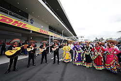 Pit entertainment.<br /> 28.10.2016. Formula 1 World Championship, Rd 19, Mexican Grand Prix, Mexico City, Mexico, Practice Day.<br /> Copyright: Moy / XPB Images / action press