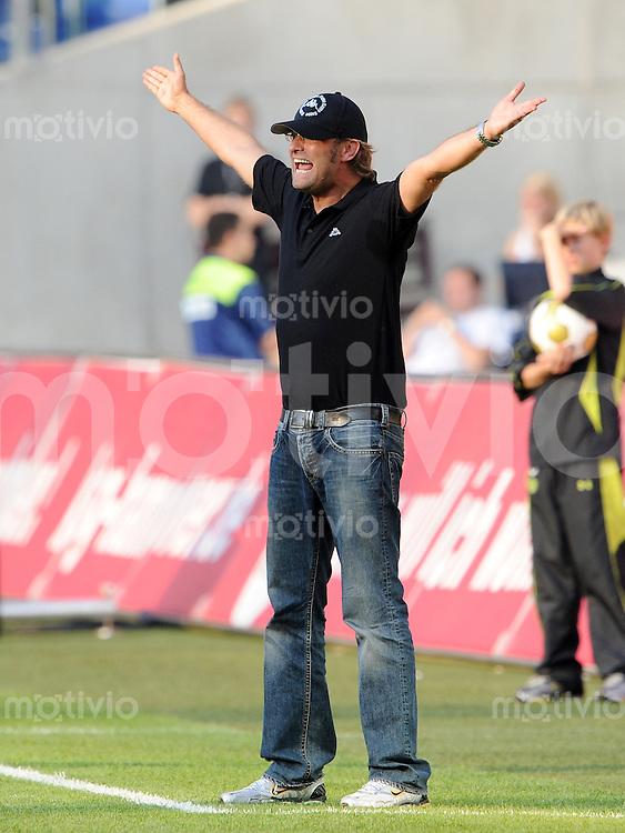 FUSSBALL  1. BUNDESLIGA   SAISON 2009/2010   6. SPIELTAG Hannover 96 - Borussia Dortmund  19.09.2009 Trainer Juergen KLOPP (Borussia Dortmund) engagiert an der Seitenlinie