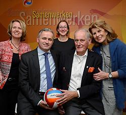 12-12-2015 NED: Bondsvergadering Nevobo, Nieuwegein<br /> Hans Nieukerke is vandaag benoemd tot erevoorzitter van de Nevobo. De 73-jarige Nieukerke ontving in het Huis van de Sport deze eer bij het afscheid van zijn twaalfjarig voorziterschap en kreeg de unieke gouden bondsspeld met drie briljanten opgespeld / Karen, Hans, Peter, Joelle en Marloes