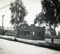 1909 C.E. Toberman's 2nd real estate office on SW corner of Hollywood Blvd. & McCadden Pl.