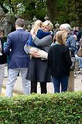 Kinderboekenschrijver Paul van Loon en prinses Laurentien presenteren in de Efteling het nieuwe boek De Sprookjessprokkelaar, een sprookjesboek dat ze samen hebben geschreven. <br /> <br /> Present Children's Writer Paul van Loon and Princess Laurentien in the new book The Sprookjessprokkelaar Efteling, a fairytale that they have written together.<br /> <br /> Op de foto / On the photo: <br /> <br />  Prinses Laurentien en Prins Constantijn en hun kinderen / <br /> Princess Laurentien and Prince Constantijn and their children