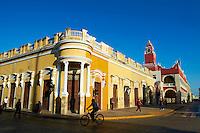 Mexique, Etat de Yucatan, Merida, capitale de Yucatan, Place de l'independance // Mexico, Yucatan state, Merida, the capital of Yucatan, the cathedral, square of independence