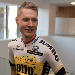 08-01-2016: Wielrennen: Presentatie Lotto Jumbo: Den Bosch<br />'s-HERTOGENBOSCH (NED) wielrennen<br />Team Lotto-Jumbo werd gepresenteerd op het HQ van Brand Loyalty <br />Wilco Keldeman