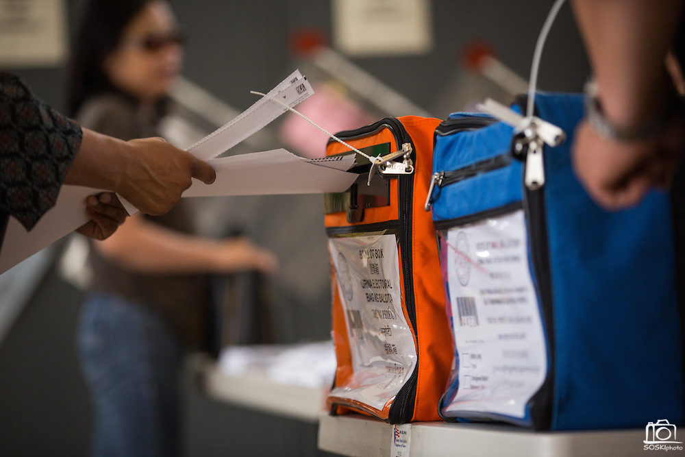 A voter casts their ballot at the Milpitas Fire Station #3 during the California Presidential Election in Milpitas, California, on June 7, 2016. (Stan Olszewski/SOSKIphoto)