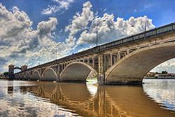 A Ponte Internacional Barão de Mauá é uma ponte sobre o rio Jaguarão, na fronteira entre o Brasil e o Uruguai. A ponte liga as cidades de Jaguarão, no lado brasileiro, e Rio Branco, no lado uruguaio. Sua extensão é de 340m e foi inaugurada em 1930. FOTO: Jefferson Bernardes/Preview.com