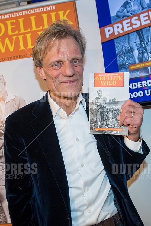 Maarten van Nispen tijdens de boekpresentatie van Adellijk Wild in Scheltema, Amsterdam