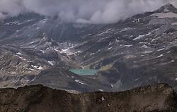THEMENBILD - Blick auf den Gletscher und die umliegenden Berge, aufgenommen am 13. August 2018 in Kaprun, Österreich // View of the glacier and the surrounding mountains, Kaprun, Austria on 2018/08/13. EXPA Pictures © 2018, PhotoCredit: EXPA/ JFK