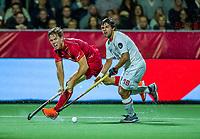 ANTWERP - BELFIUS EUROHOCKEY Championship  .  Belgium v Spain (men) (5-0).Tom Boon (Belgie) with Alejandro de Frutos (Esp)  WSP/ KOEN SUYK