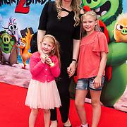 NLD/Amsterdam/20190814 - Premiere Angry Birds 2, Hannelore Zwitserlood met haar dochters