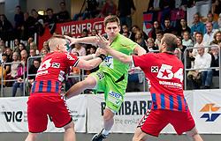 15.10.2016, Halle Hollgasse, Wien, AUT, HLA, SG INSIGNIS Handball WESTWIEN vs HC Fivers WAT Margareten, Grunddurchgang, 8. Runde, im Bild Nikola Aljetic (Fivers), Jakob Jochmann (WestWien), Vytas Ziura (Fivers) // during Handball League Austria, 8 th round match between HC Fivers WAT Margareten and SG INSIGNIS Handball WESTWIEN at the Halle Hollgasse, Vienna, Austria on 2016/10/15, EXPA Pictures © 2016, PhotoCredit: EXPA/ Sebastian Pucher