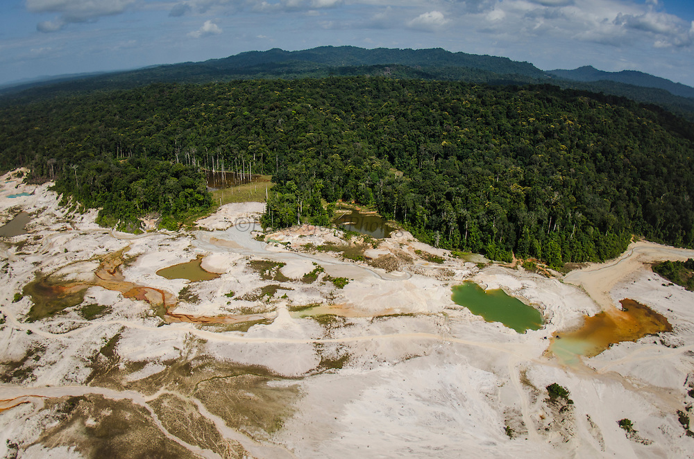 Gold Mining<br /> Mahdia<br /> GUYANA<br /> South America