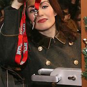 3FM Serious Request 2012 in Enschede van start! Carice van Houten sluit het glazen huis