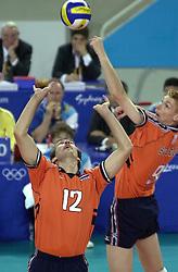 19-09-2000 AUS: Olympic Games Volleybal Nederland - Australie, Sydney<br /> Nederland wint vrij eenvoudig van Australie met 3-0 / Peter Blange, Bas van de Goor