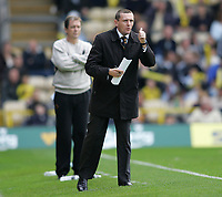 Photo: Lee Earle.<br /> Watford v Wolverhampton Wanderers. Coca Cola Championship. 29/10/2005. Watford manager Adrian Boothroyd.