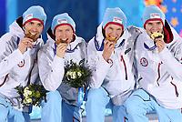 Kombinert , 20. januar 2014,  - Olympische Winterspiele Sotschi 2014, Teambewerb, Siegerehrung, Medaillenvergabe am Medal Plaza. Bild zeigt Magnus Hovdal Moan, Haavard Klemetsen, Magnus Krog und Jørgen Graabak (NOR). <br /> Norway only