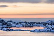 Winterlandscape in Norway, nearby Fosnavåg   Vinterlandskap i Stridestraumen.