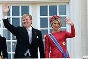 Prinsjesdag 2014 - Balkonscene op Paleis Noordeinde  /// Parlementday 2014 - Balcony Scene at Palace Noordeinde<br /> <br /> Op de foto:  Koning Willem Alexander en Koningin Maxima / King Willem Alexander and Queen Maxima