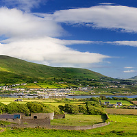 sunny Cahersiveen Panorama with view on Bentee Mountain and River Ferther / ch204
