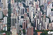 Belo Horizonte_MG, Brasil...Vista aerea da regiao centro-sul de Belo Horizonte, Minas Gerais...Aerial view of south-central region in Belo Horizonte, Minas Gerais...Foto: BRUNO MAGALHAES / NITRO