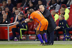 (L-R) Ryan Babel of Holland, coach Dick Advocaat of Holland during the FIFA World Cup 2018 qualifying match between The Netherlands and Sweden at the Amsterdam Arena on October 10, 2017 in Amsterdam, The Netherlands