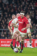 Twickenham, Surrey. UK.  Aaron SHINGLER, with a deft touch, attempts to guide the ball forward, during the Six Nations Rugby Match, England vs Wales RFU Stadium, Twickenham. Surrey, England. on Saturday 10.02.18<br /> <br /> <br /> [Mandatory Credit Peter SPURRIER/Intersport Images]
