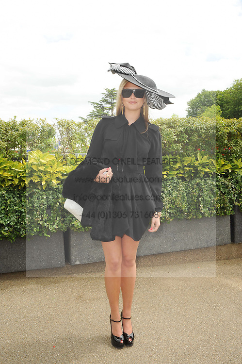 HOLLY VALANCE at the first day of the 2010 Royal Ascot Racing festival at Ascot Racecourse, Berkshire on 15th June 2010.
