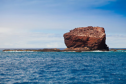 Puu Pehe aka Sweetheart Rock, Manele Bay, South Lanai, Lanai aka Pineapple Island because of its past as an island-wide pineapple plantation of Dole, the sixth-largest island of the Hawaiian Islands, Hawaii, USA, Pacific Ocean