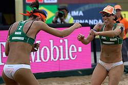 20-07-2014 NED: FIVB Grand Slam Beach Volleybal, Scheveningen<br /> Gold medal match / Taiana Lima (2) en Fernanda Alves (1) BRA