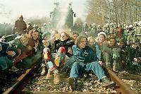 14 APR 1996 DANNENBERG/GERMANY:<br /> Jugendliche Demonstranten blockieren die Bahnstrecke vor der Castor Verladestation Dannenberg, die Polizei reagiert mit Wasserwerfereinsatz<br /> IMAGE: 19960414-01/01-27<br /> KEYWORDS: Demo, Polizei, police, Demonstrant, demonstrator, Gewalt, violence, Gorleben, Schiene, Kernkraft, Atomkraft, Kernkraftgegner, Gewalt, violence