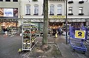 Nederland,Venlo, 17-1-2020 Winkel Die zwei gebrüder von Venlo, een warenhuis gericht op consumenten uit Duitsland. Winkels in de grensstreek hopen op meer omzet door bezoek van onze oosterburen. Zwei Bruder is al tientallen jaren een begrip in Venlose binnenstad . Foto: Flip Franssen