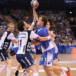 Hamburg, 24.05.2015, Sport, Handball, DKB Handball Bundesliga, HSV Handball - SG Flensburg-Handewitt : Bogdan Radivojevic (SG Flensburg-Handewitt, #41), Kentin Mahé (HSV Handball, #22)<br /> <br /> Foto © P-I-X.org *** Foto ist honorarpflichtig! *** Auf Anfrage in hoeherer Qualitaet/Aufloesung. Belegexemplar erbeten. Veroeffentlichung ausschliesslich fuer journalistisch-publizistische Zwecke. For editorial use only.