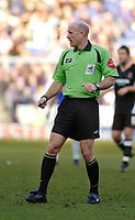 Photo: Leigh Quinnell.<br /> Leicester City v Hull FC. Coca Cola Championship. 04/03/2006. Referee Nigel Miller.