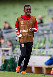 DUBLIN, REPUBLIC OF IRELAND - Sunday, October 11, 2020: Wales' substitute Rabbi Matondo warms up during the UEFA Nations League Group Stage League B Group 4 match between Republic of Ireland and Wales at the Aviva Stadium. The game ended in a 0-0 draw. (Pic by David Rawcliffe/Propaganda)
