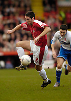 Photo: Leigh Quinnell.<br /> Bristol City v Middlesbrough. The FA Cup. 27/01/2007.<br /> Bristol Citys Bradley Orr collects the ball.