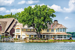 A Lake Minnetonka Home - Now That's The Life!