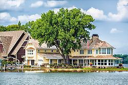 A Lake Minnetonka Home - Now That's The Life!