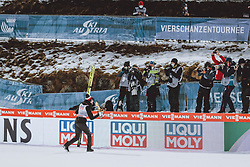 06.01.2021, Paul Außerleitner Schanze, Bischofshofen, AUT, FIS Weltcup Skisprung, Vierschanzentournee, Bischofshofen, Finale, Podium Gesamtsieg, im Bild Gesamtsieger Kamil Stoch (POL) jubelt zu den Fotografen // Overall Winner Kamil Stoch of Poland celebrates to the Photographers during Podium for the overall victory of the Four Hills Tournament of FIS Ski Jumping World Cup at the Paul Außerleitner Schanze in Bischofshofen, Austria on 2021/01/06. EXPA Pictures © 2020, PhotoCredit: EXPA/ JFK