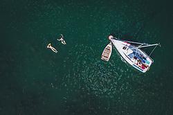 THEMENBILD - Schwimmer mit ihrem Booten am Zeller See, aufgenommen am 28. Juli 2020 in Zell am See, Österreich // Swimmers with their boats at the Zeller See, Zell am See, Austria on 2020/07/28. EXPA Pictures © 2020, PhotoCredit: EXPA/ JFK