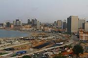 Obras na Baía de Luanda, Angola.