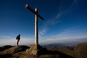 Alto Caparao_MG, Brasil...Turista no Pico da Bandeira, no Parque Nacional Serra do Caparao...The tourist in Pico da Bandeira at Serra do Caparao National Park...Foto: LEO DRUMOND /  NITRO