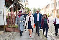 Berlin, 23.09.2021: Franziska Giffey, Kandidatin der SPD für das Amt der Regierenden Bürgermeisterin von Berlin, zu Besuch in Berlin-Köpenick. Hier zusammen mit dem Hauptmann von Köpenick, Robert Schaddach (MdA, SPD) und Ana-Maria Trasnea, SPD-Bundestagskandidatin im Wahlkreis Treptow-Köpenick.