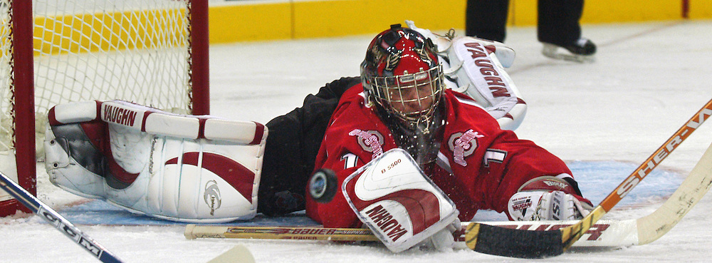 Omaha, NE Ohio State goalie Dave Caruso. (photo by Chris Machian/ Prarie Pixel Group)