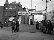 Harrolds Cross Greyhound Stadium, I.R.B.A.A. Trade Dispute