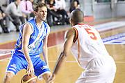 DESCRIZIONE : Roma Lega serie A 2013/14 Acea Virtus Roma Banco Di Sardegna Sassari<br /> GIOCATORE : Diener Travis<br /> CATEGORIA : palleggio<br /> SQUADRA : Banco Di Sardegna Dinamo Sassari<br /> EVENTO : Campionato Lega Serie A 2013-2014<br /> GARA : Acea Virtus Roma Banco Di Sardegna Sassari<br /> DATA : 22/12/2013<br /> SPORT : Pallacanestro<br /> AUTORE : Agenzia Ciamillo-Castoria/ManoloGreco<br /> Galleria : Lega Seria A 2013-2014<br /> Fotonotizia : Roma Lega serie A 2013/14 Acea Virtus Roma Banco Di Sardegna Sassari<br /> Predefinita :