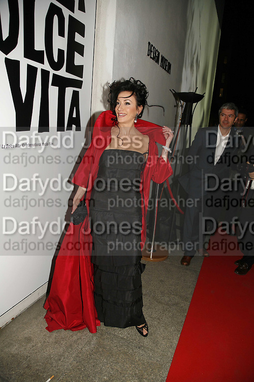 """NANCY DELL'OLIO. Party given by  Peroni  beer to announce the launch of it's remake of the classic 1960's film """"La Dolce Vita"""". The Design Museum, Shad thamesm 6 April 2006. ONE TIME USE ONLY - DO NOT ARCHIVE  © Copyright Photograph by Dafydd Jones 66 Stockwell Park Rd. London SW9 0DA Tel 020 7733 0108 www.dafjones.com"""
